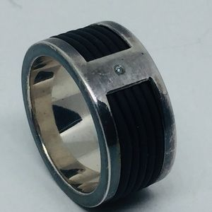 UNIQUE STERLING WITH DIAMOND & BLACK RUBBER RINGS